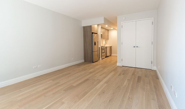 Studio, Theater District Rental in NYC for $3,210 - Photo 2