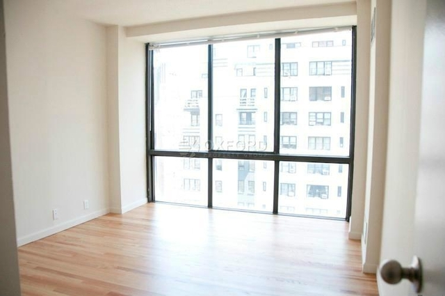 3 Bedrooms, Turtle Bay Rental in NYC for $5,700 - Photo 2