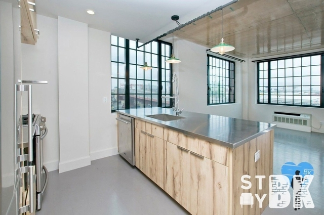 2 Bedrooms, Greenpoint Rental in NYC for $4,250 - Photo 1