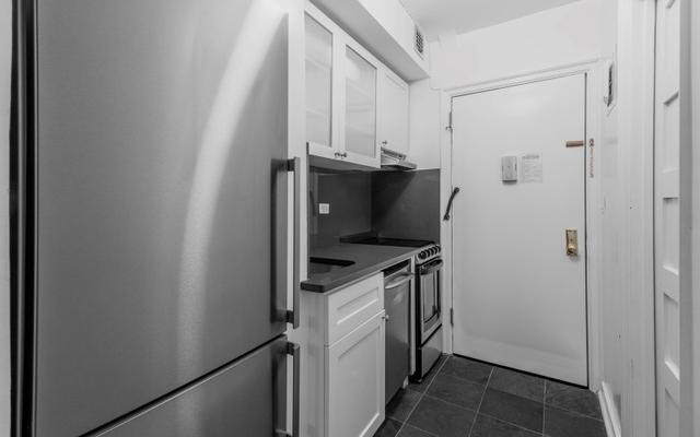 Studio, Turtle Bay Rental in NYC for $3,020 - Photo 2