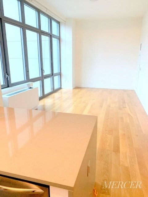 Studio, Hell's Kitchen Rental in NYC for $3,133 - Photo 1