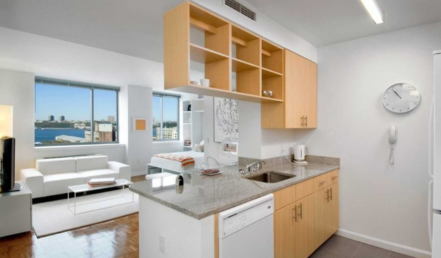 Studio, Hell's Kitchen Rental in NYC for $3,097 - Photo 1