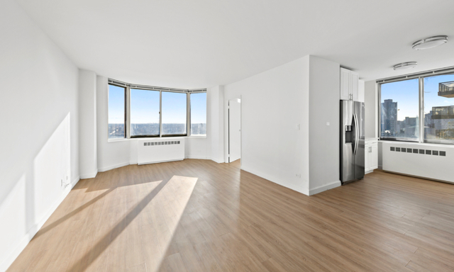 2 Bedrooms, Yorkville Rental in NYC for $4,620 - Photo 1