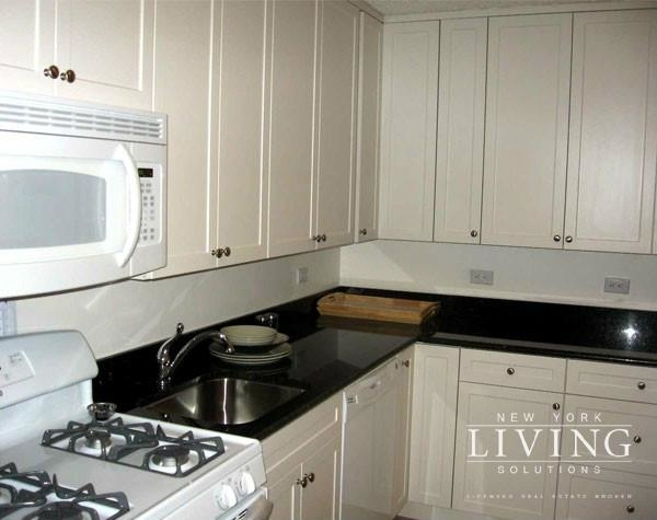 3 Bedrooms, Battery Park City Rental in NYC for $6,345 - Photo 1