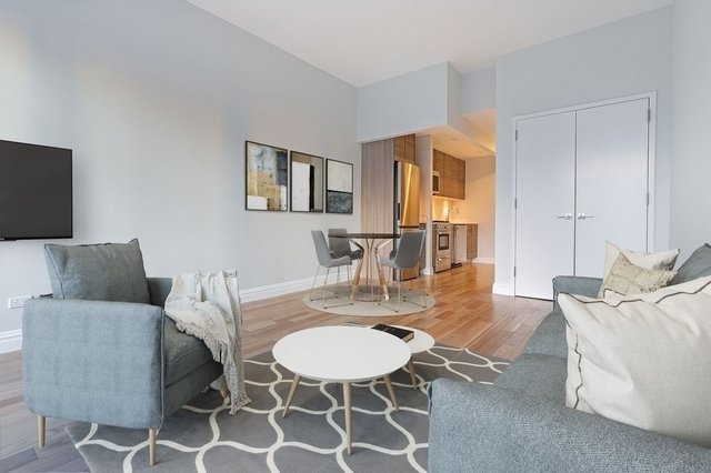 Studio, Theater District Rental in NYC for $2,990 - Photo 2