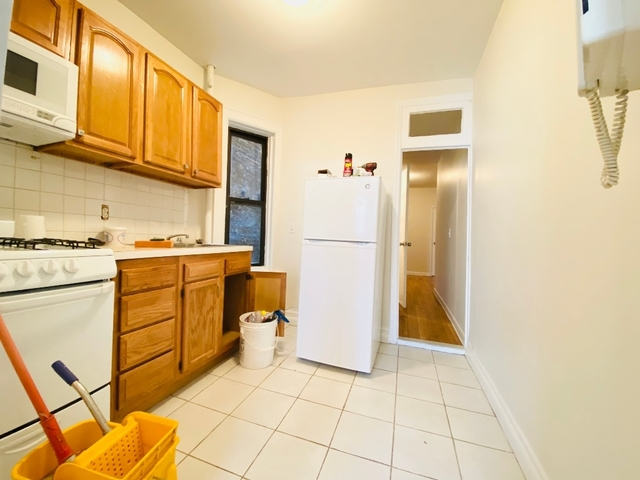 2 Bedrooms, Hell's Kitchen Rental in NYC for $2,985 - Photo 2