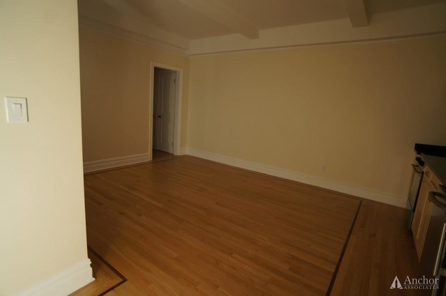 1 Bedroom, Carnegie Hill Rental in NYC for $3,341 - Photo 2