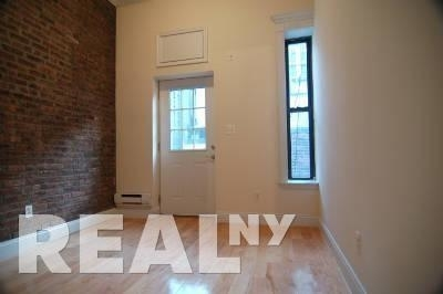 2 Bedrooms, Gramercy Park Rental in NYC for $4,610 - Photo 2