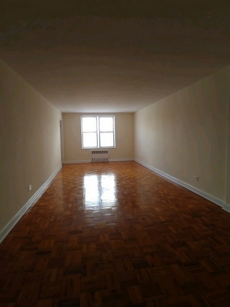 2 Bedrooms, Forest Hills Rental in NYC for $2,325 - Photo 1