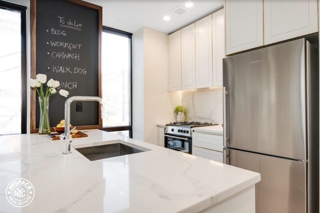 1 Bedroom, Greenwood Heights Rental in NYC for $2,900 - Photo 2