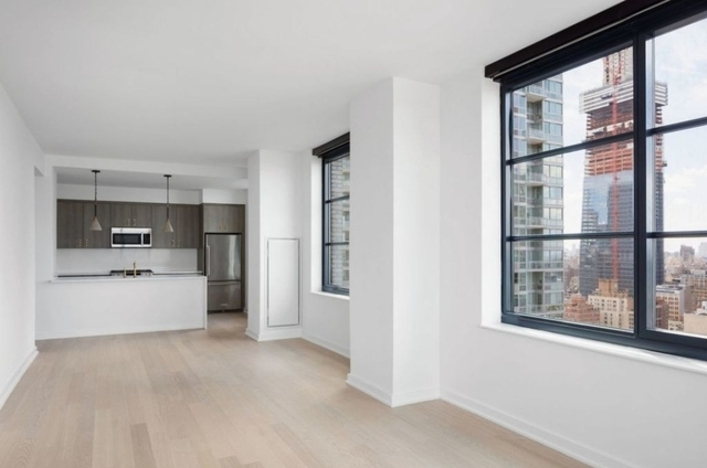 2 Bedrooms, Hell's Kitchen Rental in NYC for $7,767 - Photo 2
