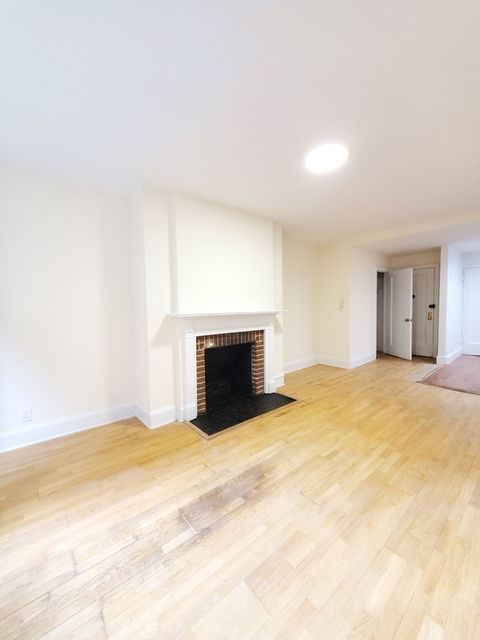 2 Bedrooms, Lincoln Square Rental in NYC for $4,312 - Photo 2