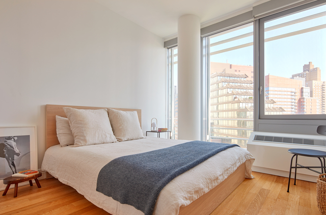 1 Bedroom, Hell's Kitchen Rental in NYC for $3,188 - Photo 2