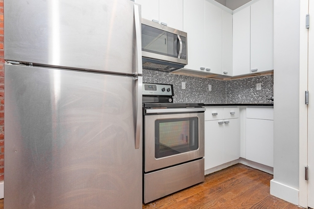 3 Bedrooms, Ocean Hill Rental in NYC for $2,199 - Photo 2