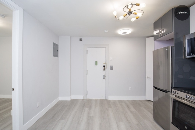 4 Bedrooms, Belmont Rental in NYC for $4,900 - Photo 2
