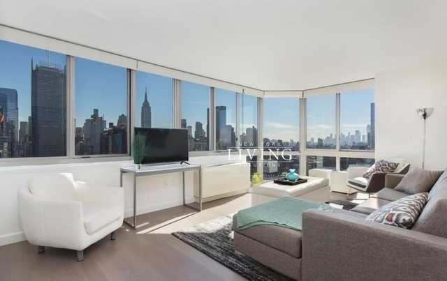 Studio, Hell's Kitchen Rental in NYC for $3,099 - Photo 1