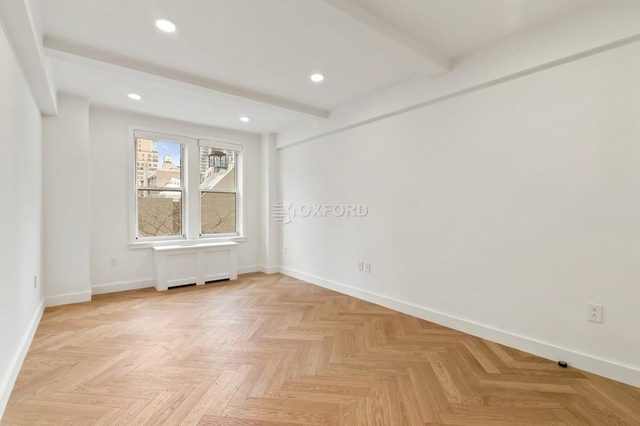 2 Bedrooms, Gramercy Park Rental in NYC for $7,995 - Photo 2