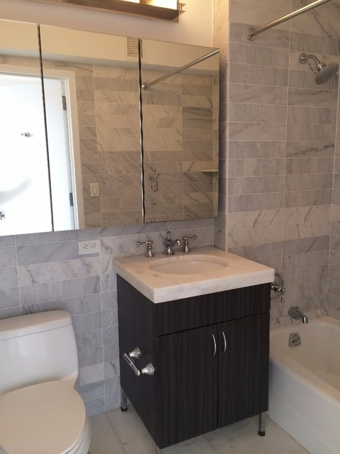 2 Bedrooms, Garment District Rental in NYC for $4,555 - Photo 2