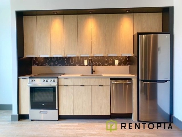 3 Bedrooms, Williamsburg Rental in NYC for $4,068 - Photo 1
