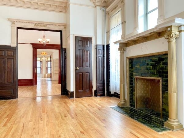 1 Bedroom, Crown Heights Rental in NYC for $3,500 - Photo 2
