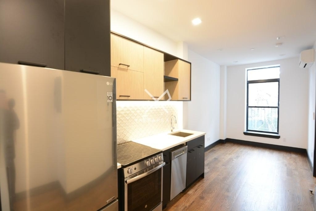 3 Bedrooms, Crown Heights Rental in NYC for $3,157 - Photo 2