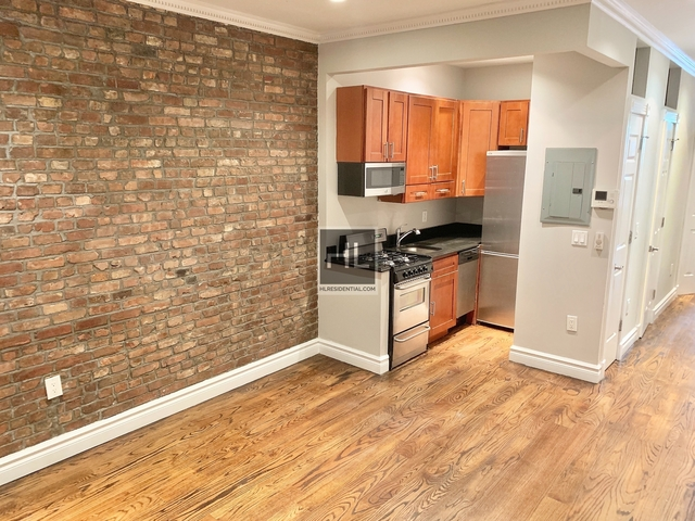 4 Bedrooms, Hell's Kitchen Rental in NYC for $5,678 - Photo 2