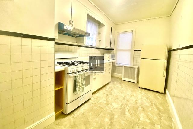 3 Bedrooms, Woodhaven Rental in NYC for $2,499 - Photo 1