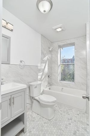 2 Bedrooms, Bedford-Stuyvesant Rental in NYC for $3,000 - Photo 2