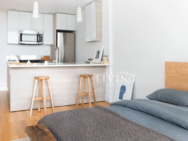 Studio, Hell's Kitchen Rental in NYC for $3,080 - Photo 2