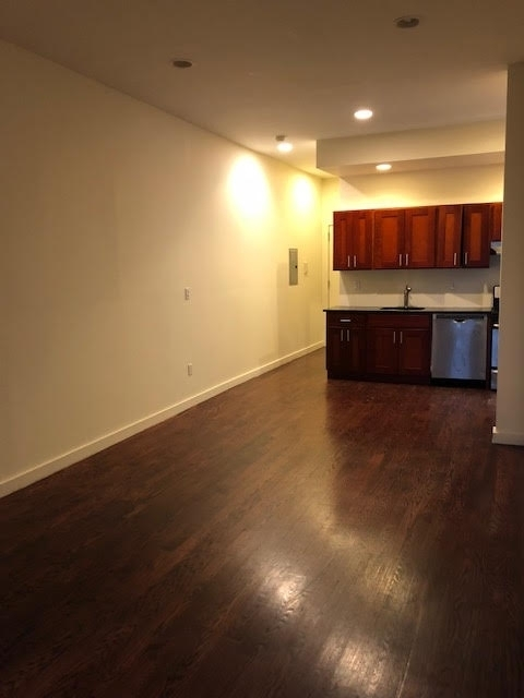 4 Bedrooms, Crown Heights Rental in NYC for $3,495 - Photo 2