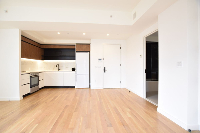 2 Bedrooms, Flatbush Rental in NYC for $2,715 - Photo 2