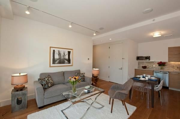1 Bedroom, Crown Heights Rental in NYC for $2,733 - Photo 2