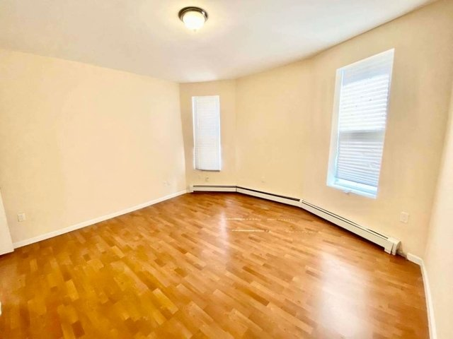 3 Bedrooms, Crown Heights Rental in NYC for $2,995 - Photo 2