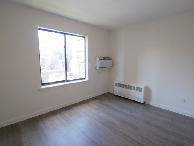 2 Bedrooms, Upper East Side Rental in NYC for $4,450 - Photo 2