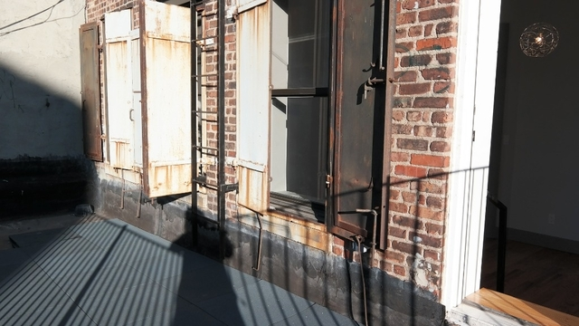 3 Bedrooms, Two Bridges Rental in NYC for $3,000 - Photo 2