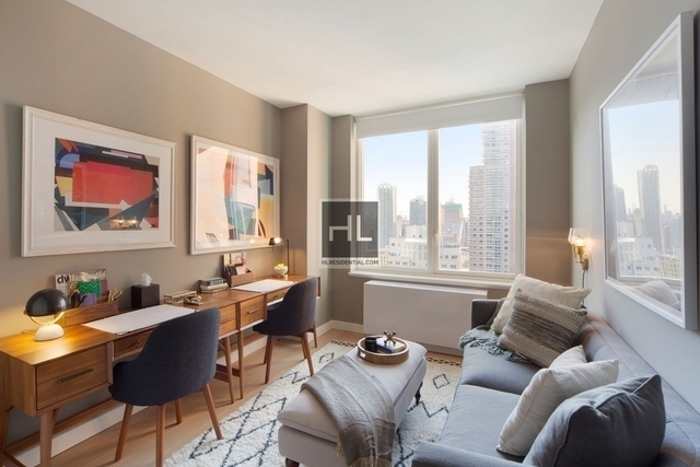3 Bedrooms, Hell's Kitchen Rental in NYC for $7,750 - Photo 1