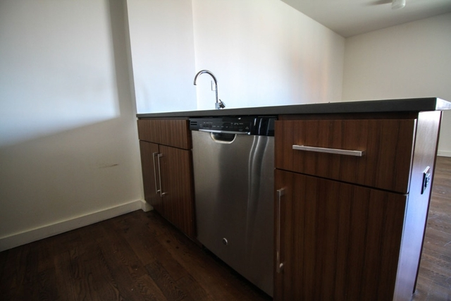 3 Bedrooms, Bushwick Rental in NYC for $3,450 - Photo 2