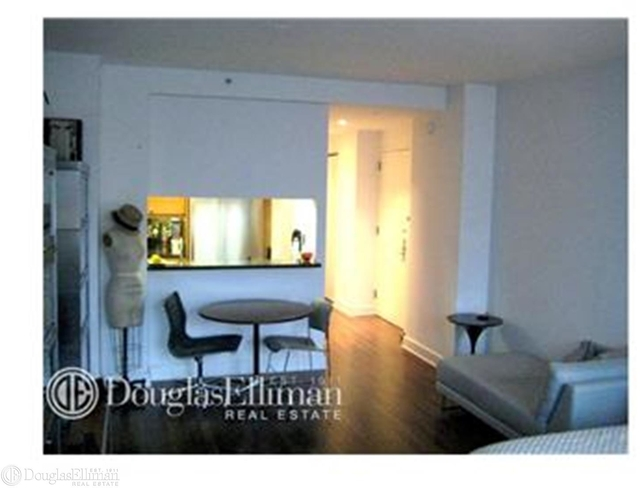 Studio, Lincoln Square Rental in NYC for $2,850 - Photo 2