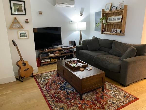 2 Bedrooms, East Williamsburg Rental in NYC for $3,000 - Photo 1