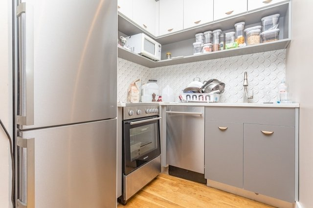 2 Bedrooms, Greenpoint Rental in NYC for $2,799 - Photo 2