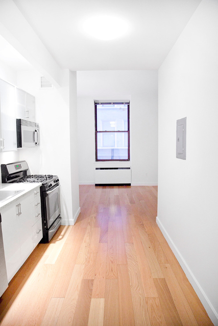 Studio, Financial District Rental in NYC for $2,704 - Photo 2