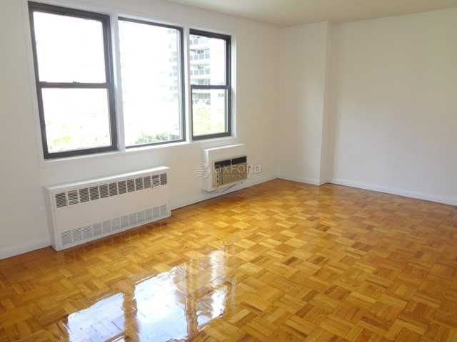 2 Bedrooms, Gramercy Park Rental in NYC for $5,950 - Photo 2