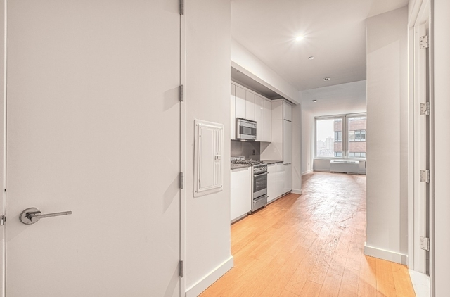 1 Bedroom, Financial District Rental in NYC for $3,553 - Photo 2