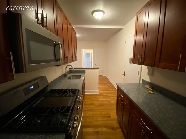 3 Bedrooms, Rose Hill Rental in NYC for $4,514 - Photo 2