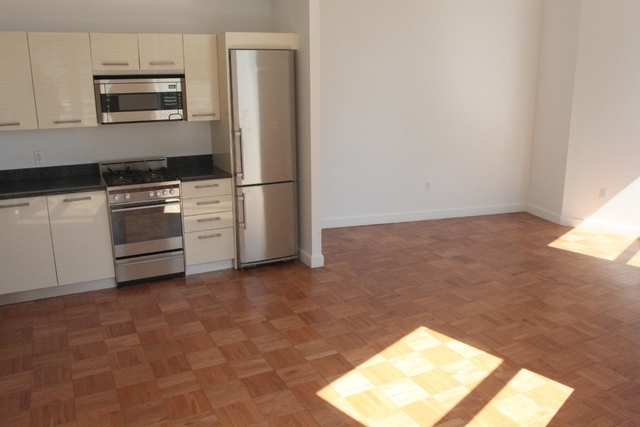Studio, Financial District Rental in NYC for $2,374 - Photo 2