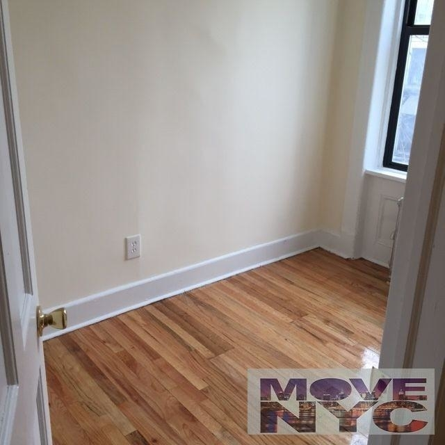 3 Bedrooms, Hell's Kitchen Rental in NYC for $3,500 - Photo 2