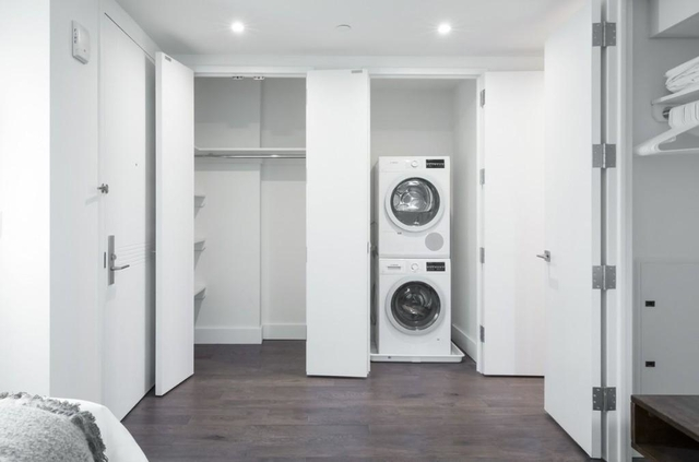 2 Bedrooms, Murray Hill Rental in NYC for $5,125 - Photo 2