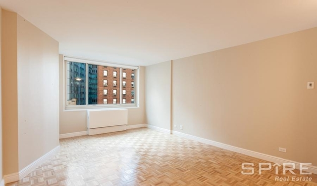 2 Bedrooms, Lincoln Square Rental in NYC for $7,395 - Photo 2