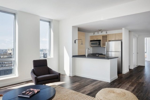 2 Bedrooms, Tribeca Rental in NYC for $6,646 - Photo 2