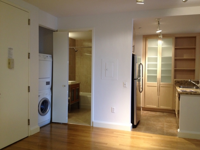 1 Bedroom, Financial District Rental in NYC for $4,424 - Photo 2